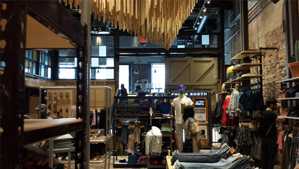 Blog_Urban_Outfitters_Space_Ninety_8_and_Gorbals_Restaurant_Interior